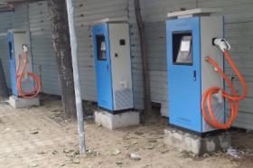 四川已建8000余充电桩 将鼓励民资参与充电设施建设