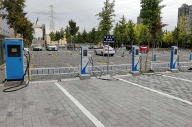 公共充电桩方便小区居民
